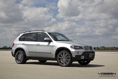 bmw x5 black rims. BMW X5 on Vossen VVS082 Wheels