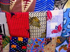 (Bia P) Tags: color colors cores fabric cor couleur tecido