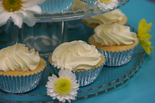 White cupcakes with Lemon Swiss Meringue Frosting