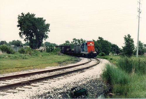 Short Grand trunk Western transfer train rounding the westbound interchange curve at Hayford Junction. Chicago Illinois. June 1984. by Eddie from Chicago