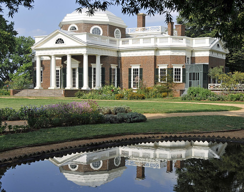 Jefferson´s Monticello (Pond Reflection)