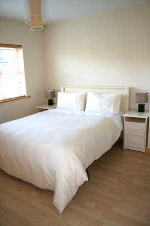 Rose Holiday home master bedroom, Ireland