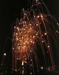 shooting off sparks (EpicFireworks) Tags: fireworks bonfire pyro bang 13g barrage pyrotechnics sib epicfireworks