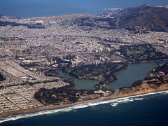 Daly City / San Francisco / Lake Merced / Aerial () Tags: sf sanfrancisco california vacation mountain lake holiday window plane fly dc pond aircraft altitude jet thecity aerial windowview boeing soire dalycity rowingclub rtw aerialphotography 747 airliner vacanze avion airfrance montaas tpc b747 windowseat 1933 747400 businessclass roundtheworld sfist outersunset atop globetrotter aerialphotograph golfclub  areo saofrancisco sanbrunomountain 083 bjerg  worldtraveler vuori worldbusinessclass   skyteam  californi mywinners sfgc theunforgettablepictures lespaceaffaires sanfranciscoaerial theperfectphotographer goldstaraward geo:lon=1224855 geo:lat=377147 rubyphotographer  sfaerial sanfranciscogolfclub pacificrowingclub