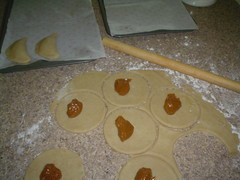 Empanadas Cajeta y Calabaza  rellenandolas
