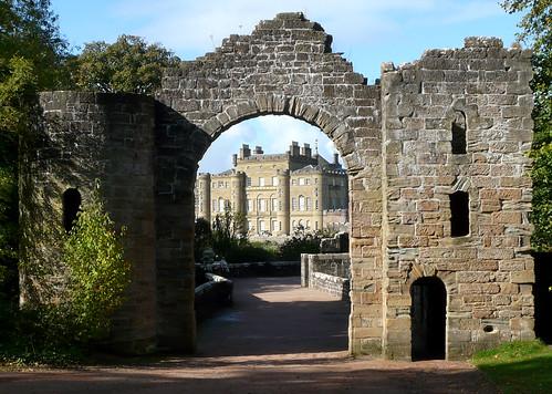 Culzean castle through the folly