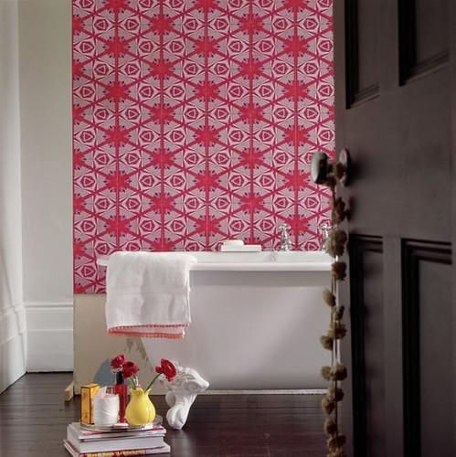 Wallpaper bathroom via Living Etc