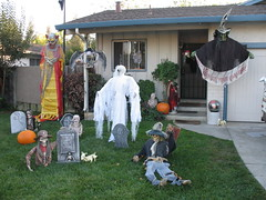 This house is ready for Halloween night.