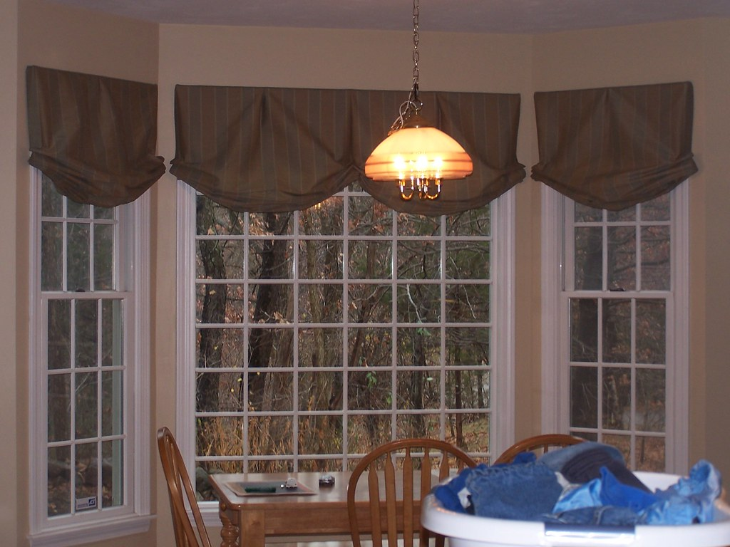 Relaxed Roman Valances