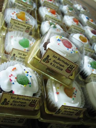 ~totcupcakes~ by +0+cupcakes.com.