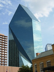Fountain Place (Diorama Sky) Tags: reflection glass architecture dallas texas officebuilding impei fountainplace impeipartners dioramasky