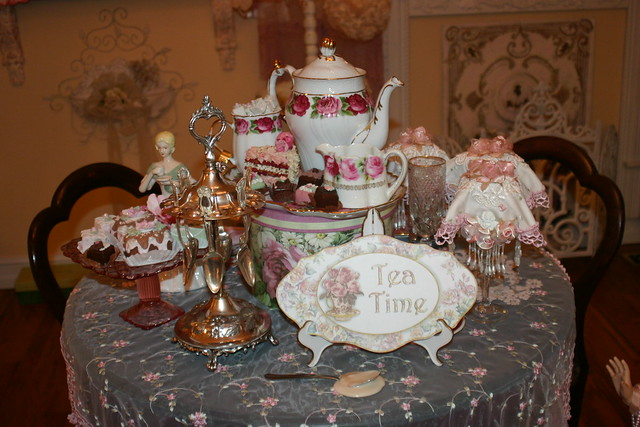 china pink roses mannequin dolls lace victorian chandelier teacups teatime homedecor teaparty mantel vignettes shabbychic frufru mytreasures teasets teatable portraitchina chocolatepots wallaccents lovemyhome biscuitjars portraitplates fauxpastries