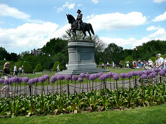 George Washington parades among the posies
