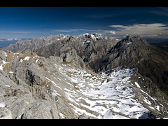 Macizo Central desde Torre Bermeja (jtsoft) Tags: mountains landscape olympus len picosdeeuropa e510 torrebermeja valden supershot zd1122mm jtsoftorg