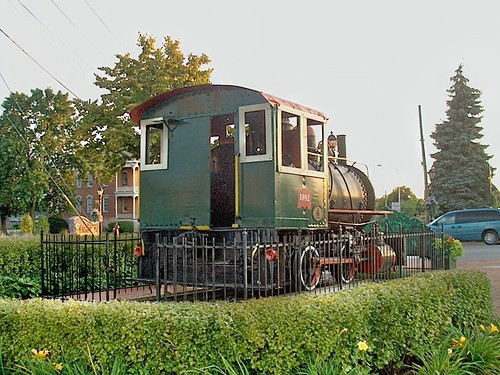 Fireless industrial steam locomotive on display. Tinley Park Illinois. September 2006. by Eddie from Chicago