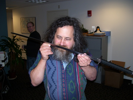 Richard Stallman com sua Katana