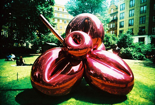 Jeff Koons / St James' Square
