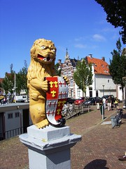 Watchful Lion (Davydutchy) Tags: holland netherlands nederland friesland harlingen frysln vogonpoetry visserijdagen vogoncentum