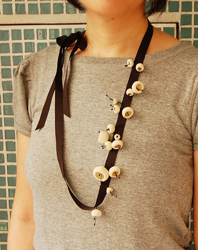 knot : crochet lace necklace