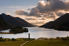 Glenfinnan Monument and Loch Shiel at Sunset (David Kendal) Tags: sunset monument landscape highlands loch nationaltrust viewpoint lochshiel glenfinnan jacobite bonnyprincecharlie bonnieprincecharlie charlesedwardstuart beinnodharbheag sgurrghuibsachain ghleannfhionnainn