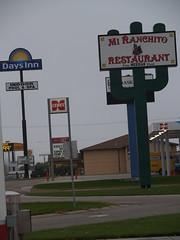 Fat Dogs, North Platte, NE (lostinfog) Tags: nebraska gasstation travel october 2008 e300
