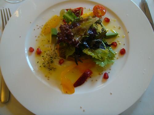 Ensalada de txanguro con vinagreta de frutos rojos