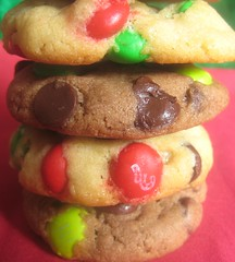 Christmas M&M Chocolate Chip Cookies 1