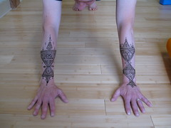 IMG_0250 (henna.elements) Tags: art beautiful tattoo design hands drawing paste henna moroccan westernmass hinna kripalu mehandi mehendhi hennaelements