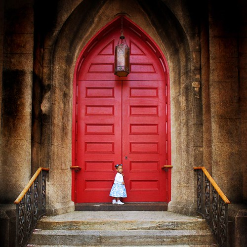 Trin in Wonderland: The Red Door