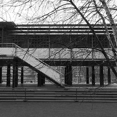 . (sjoerdtenkate.com) Tags: london architecture tatemodern designmuseum jeanprouv lamaisontropicale