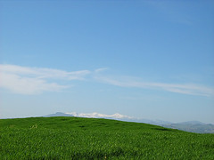 xp (Brunzio) Tags: desktop sky italy mountain verde green montagne landscape blu cielo paesaggi marche fermo
