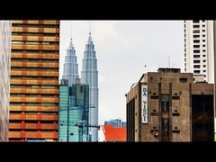 Da Vinci (deqalb) Tags: street canon buildings davinci skyscrappers kualalumpur kl hdr canon400d