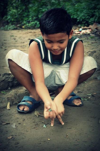 2620216387_2f96d10376_z - Children at play - Philippine Photo Gallery