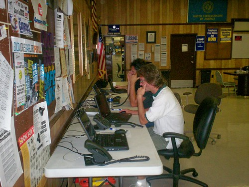 OH: Union Activists Calling Fellow Members @ a Labor 2008 Phone Bank In Findlay