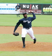 Dontrelle Willis pitches for Lakeland - cr Roger DeWitt