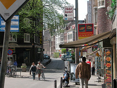 a street for all in Amsterdam (by: the_Governor/Scott Spilker, creative commons license)