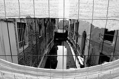 I gha suga al canal (KS #34) Tags: calle finestra occhio