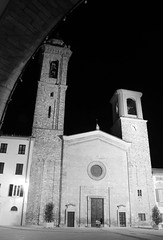 cattedrale di Santa Maria Assunta (Liberty Place) Tags: bw italy church night noche europa europe italia iglesia bn belltower chiesa piazza duomo tp nuit piacenza notte eglise italie emiliaromagna cattedrale campanili bobbio platinumphoto cattedraledisantamariaassunta