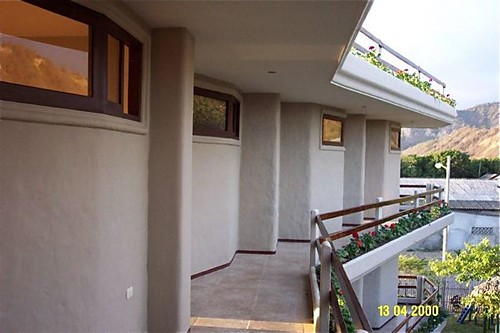 Ecuador-beach-condo-backside