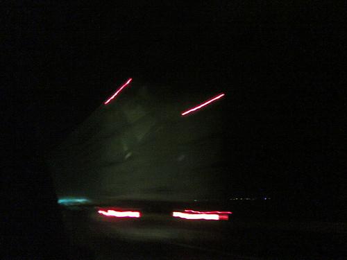 Camiones en la noche