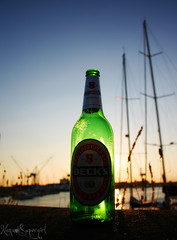 [beck's] (NaNa [supergirl]) Tags: light sunset sky verde beer canon eos boat bot