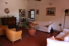 Huiskamer (Ronald van Pelt) Tags: vakantie tuscany toscane itali canon400d sigmaaf18125mmf3556dc