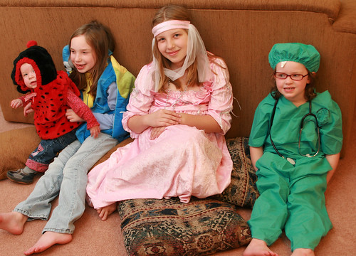 girls_dressing_up_at_home