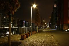 Frankfurt Westhafen 3 (N.Muehlenbeck) Tags: wasser frankfurt main westhafen leben nachtaufnahmen dergerippte