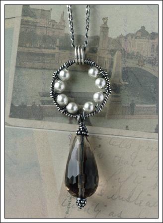 Oxidized Swarovski pearl & Smoky quartz pendant