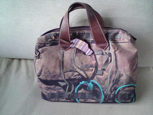 Manbag-reverse side