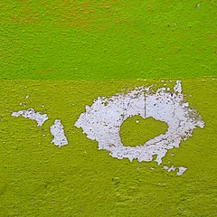 sma wall detail #110 (msdonnalee) Tags: abstract muro verde green wall pared groen chartreuse vert minimal mura grn minimalism astratto mur parede zielony mauer verd yellowgreen abstrait grn berde   walldetail grn berdea abstractreality vihre   zelen    mexicanwall  xanhlc wallsofsanmigueldeallende murosdesanmigueldeallende midori hijau