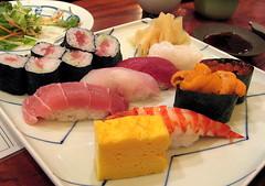 "Kikyou sushi set (SmALl CloUd ...) Tags: sea food fish japan set sushi japanese tokyo ginger spring yummy egg hills delicious 日本 aoyama urchin 2008 roe omelette prawn kikyou hanasushi omotensando ""東京"" ""表参道ヒルズ"" ""青山"""