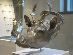 Gilt-silver Rhyton (Libation Vessel) In the Form of a Stag's Head (unforth) Tags: newyorkcity newyork art museum silver greek cups dishes artmuseum uppereastside metropolitanmuseumofart hellenistic 4thcenturybc