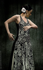 Danza Espaola y Flamenco (Csar Zarallo) Tags: portrait espaa texture spain retrato canoneos350d texturas flamenco fuenlabrada blueribbonwinner danzaespaola flickrsbest canonef70300mmf456isusm mywinners ostrellina csarzarallo teratojosepcarreras